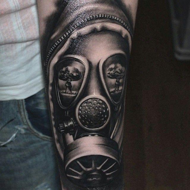 Gasmask tattoo by virlaneduardtattoo (IG)