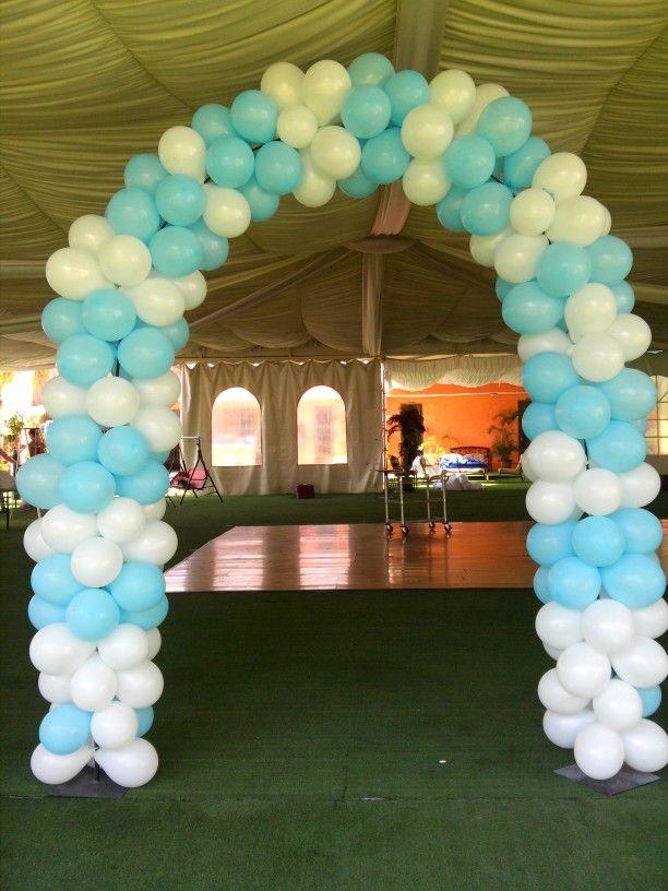 Arco con globos para bautizo bautizo bonito pinterest for Decoracion para pared de unicornio