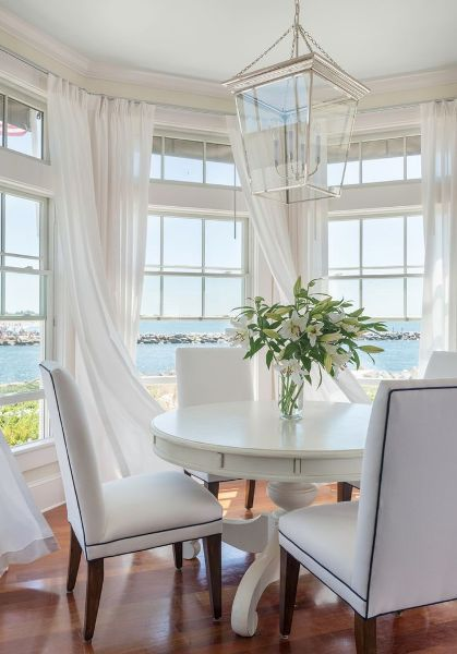 Bungalow Blue Interiors - Home - easy, breezy beach house chic - everything about this home by Kate Jackson is perfect