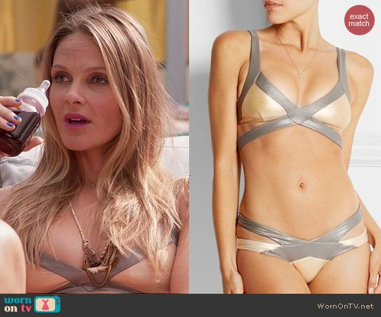 Phoebe's nude and silver bikini on Girlfriends Guide to Divorce.  Outfit Details: http://wornontv.net/43246/ #GG2D