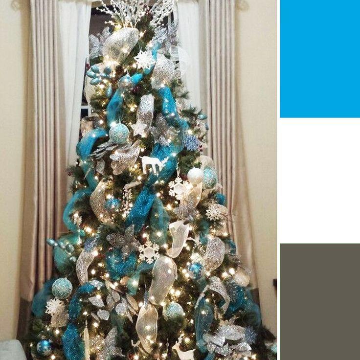 """letas de Colores para decorar tu Árbol de Navidad - Plateado, azul y blanco: Últimamente, el gris ha sido uno de los nuevos colores más """"neutros"""". Como idea podrías usar copos de nieve de plateados o azules, y los muñecos de nieve blancos. 🎄☃️🎅 #VentaArbolesDeNavidadColombia #VentaArbolesDeNavidadCali #VentaArbolesDeNavidadMedellin"""