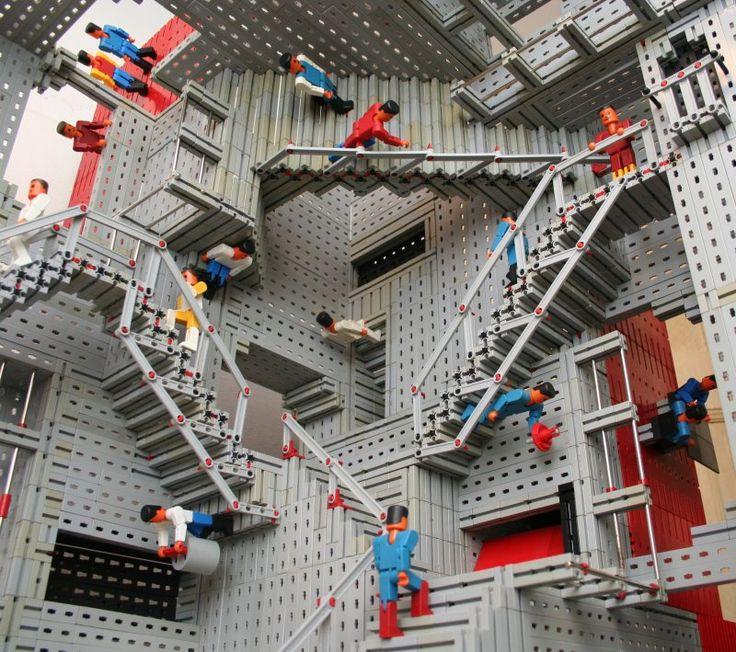 Escher's Relativity aus Fischertechnik