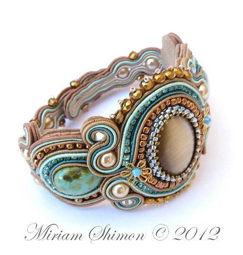 Soutache bracelet, detail