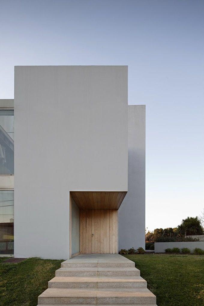 Atelier Nuno Lacerda Lopes - Paramos House - Paramos, Espinho, Portugal. Photo (c) Nelson Garrido