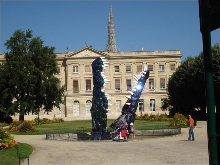 Guillaume Renou, Le Crocodile. The picture was took at the Mairie de Bordeaux, 2008.