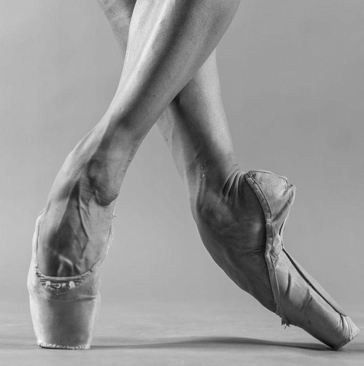 Какие ноги бывают у танцовщиц фото