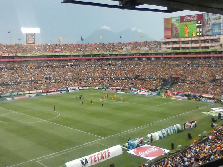 Estadio Universitario, #Tigres vs #América, último partido de Raúl Jimenéz con América. 2014