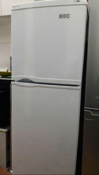 double door for salethe fridge is in a excellent working order