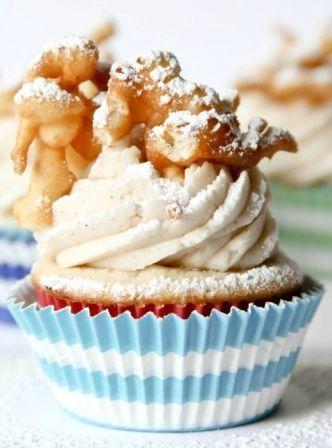 Image via confessionsofacookbookqueen Funnel cake cupcakes