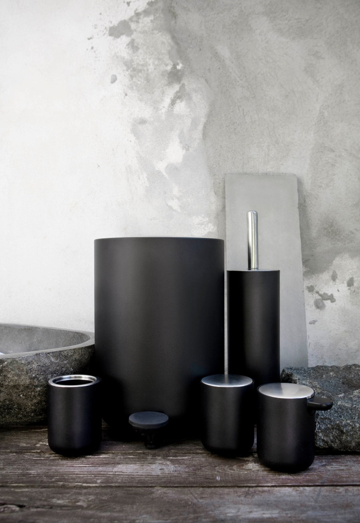 New Norm Bath Collection, Black
