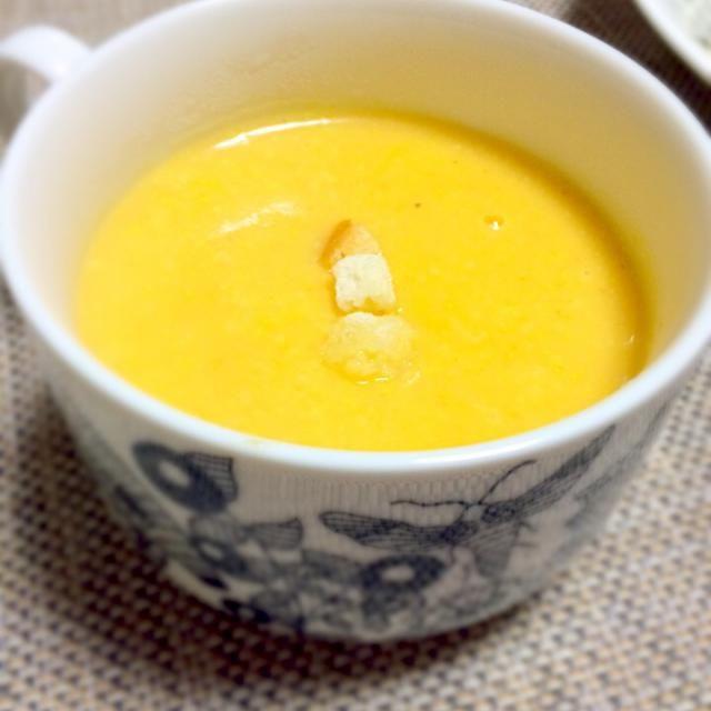 じゃがいも、にんじん、たまねぎ、セロリのポタージュ。定番のスープです。 - 4件のもぐもぐ - ポタージュ。 by smy