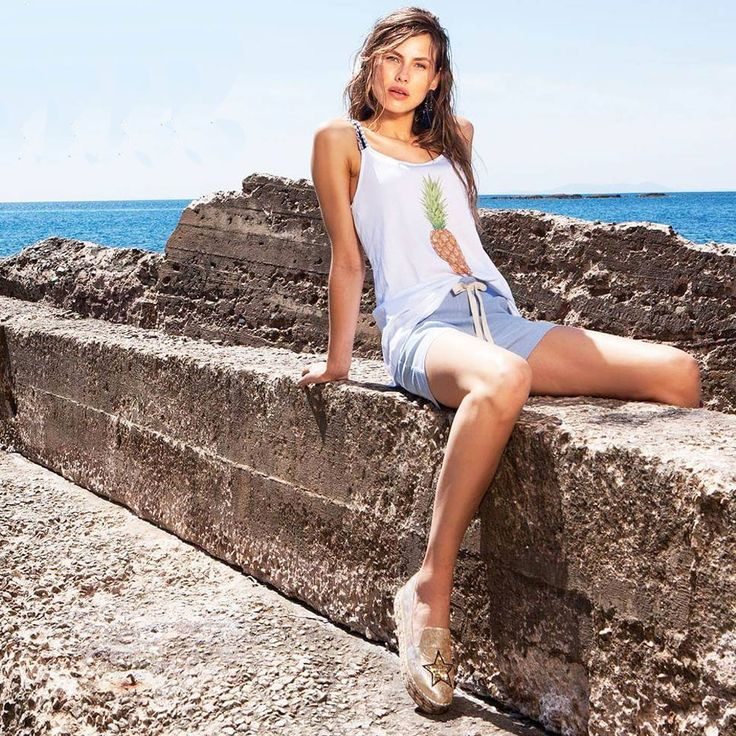 Glam up your casual look by Le Vertige with #MIGATO NY054 gold espadrille!  Shop link ► bit.ly/NY054-L18en