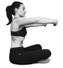 Cintura y abdomen: Ejercicios hipopresivos, son los más recomendados despues del parto, consiste en mantener la posición de la imagen. y contraer el diafragma. vas a inhalar y exhalar 3 veces, y al exhalar por ultima vez vas a botar absolutamente todo el aire, y contraer tu abdomen aguanta tu respiración lo más que puedas y luego inhala nuevamente. Repite unas 10 veces para empezar y luego ve aumentando.