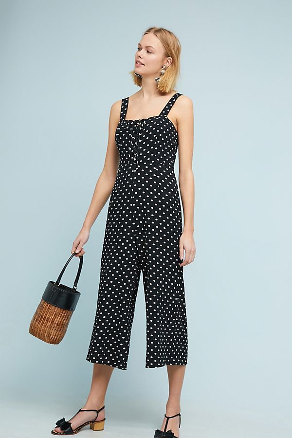cc532fe3706a How to wear a polka dots jumpsuit with flat sandals  jumpsuits   croppedjumpsuits  basketbags  fashion  polkadotjumpsuit  polkadots
