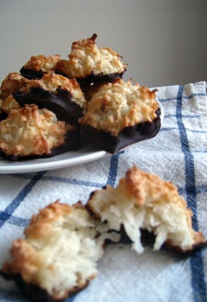 Chocolate-Bottomed Macaroons