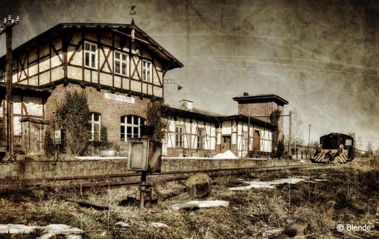 © Blende, Maren Beyer, Der alte Bahnhof | Transportiert wurde hier in der Vergangenheit sicher eine ganze Menge. Auf der Suche nach verlassenen Plätzen und Orten fand ich den alten Bahnhof in Brüssow.