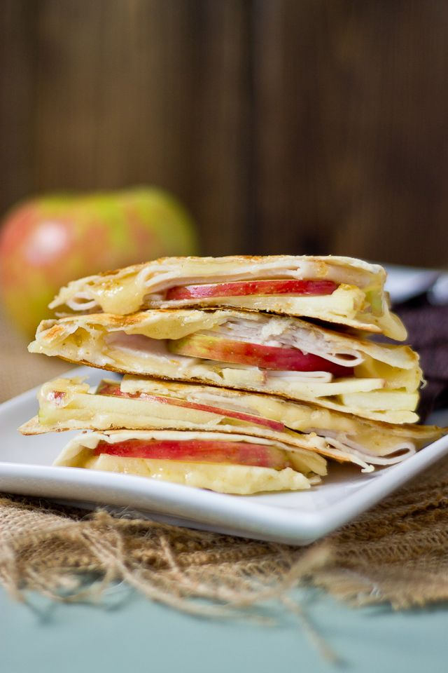 Creamy apple and fig quesadillas. I think I'll use veggie bacon as a replacement for the turkey.