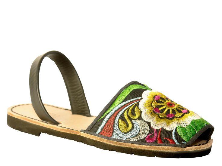 QuoQue womens menorquinas in big multicolor textile - Italian Boutique €45