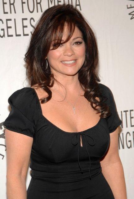 Celebrity-Slips.com – Celebrity Nipple Slips, Pussy Slips ...