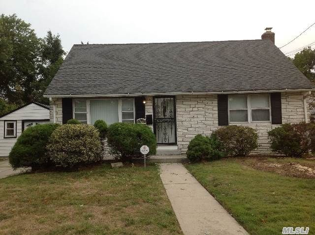 Open House Today From 12:30 3:30pm 1527 Lydia Ave, Elmont