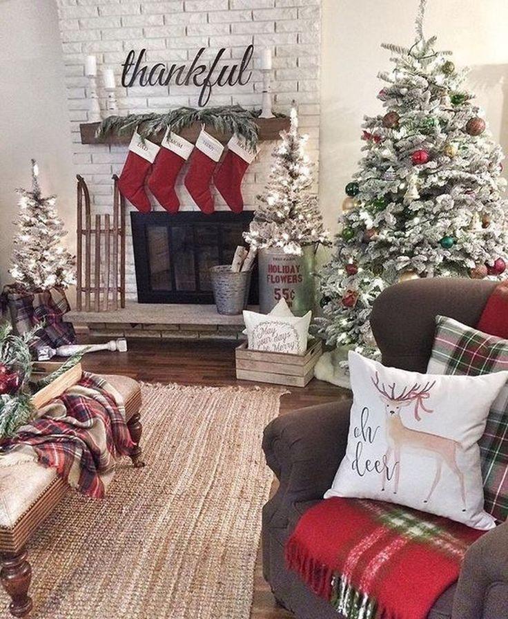 44 Stunning Christmas Decor Ideas With Farmhouse Style For Living Room Trendehouse Christmas Decorations Living Room Christmas Room Holiday Decor Living room christmas decor ideas