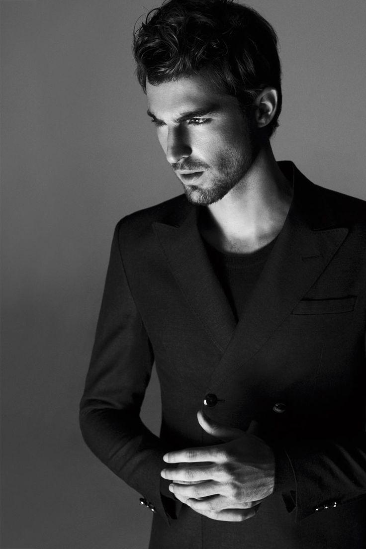 Antonio Navas wears a full Emporio #Armani look