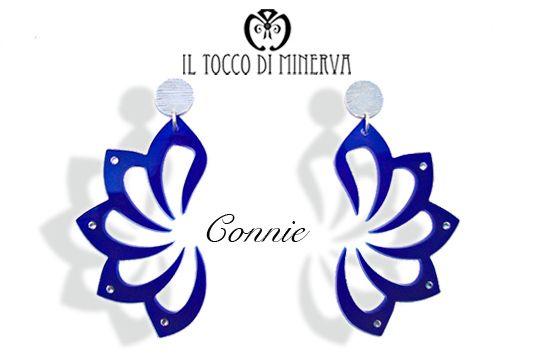 """orecchini in plexiglass e swarovski trasparenti """"Connie"""" blu e argento - Il Tocco di Minerva"""