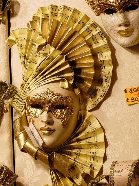 Venezia - Venetian Masks by 天煞烏龜, via Flickr