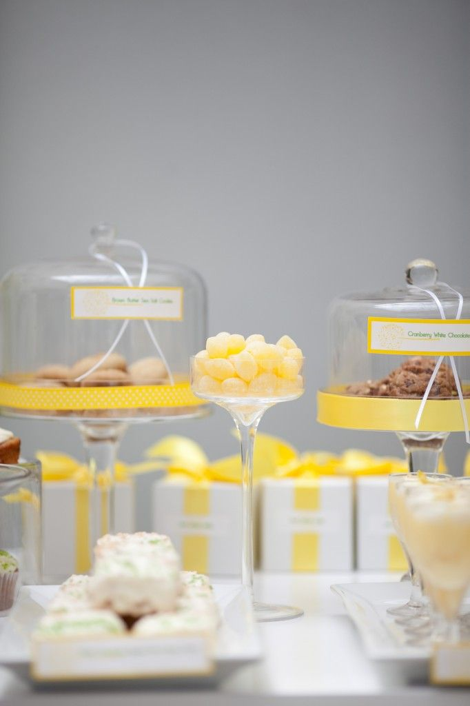 52 best candy bar yellow images on pinterest candy for Desserte salon