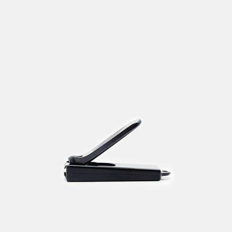 Kiya — Nail Clipper   Black — THE LINE