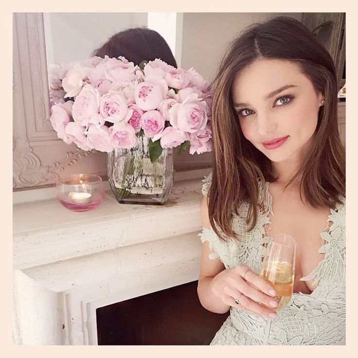 "Miranda en Instagram: ""Excited for my new stemware from my Miranda Kerr for Royal Albert collection  #cheers @royalalbertaus"""