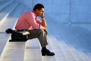 Свет истины: Как справиться со стрессом? Бесконечная круговерть забот: еженедельные поездки на работу, учеба, воспитание детей, уход за пожилыми родителями - порой становится источником постоянного стресс. Часто пренебречь какими-то из этих обязанностей просто невозможно (1Тимофею 5:8). Библия дает нам бесценную надежду и мудрость, помогающую справиться с беспокойствами и стрессом. Эта уникальная книга уже принесла пользу миллионам людей, она может помочь и вам.
