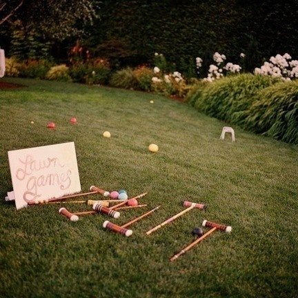 It could be awesome to have lawn games at a casual rehearsal dinner! misschickenwing shantelleglab sharondarebholz tiffinygross lucilaboes