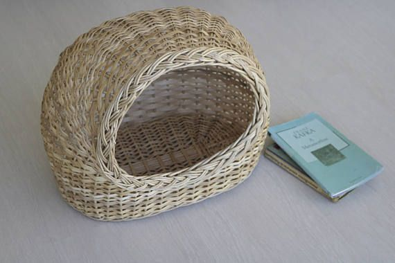 Wicker basket, Cat Bed, Cat Wicker Basket, Cat House, Wicker Cat/Small Dog House, Willow Basket for Cats, Pet Carrier, Willow Cat Basket.