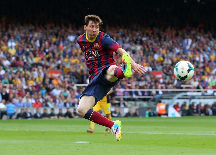 Soccer Image URL: https://usatthebiglead.files.wordpress.com/2014/08/messilaliga.jpg