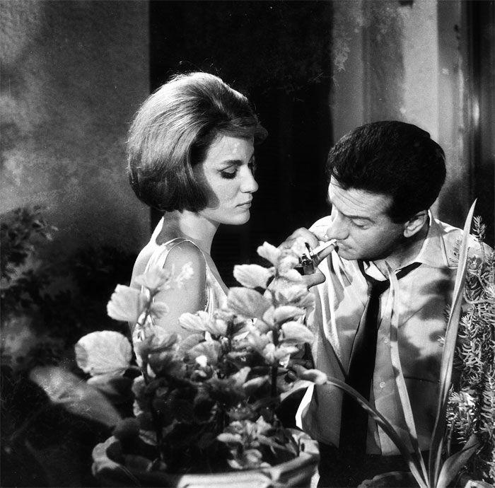 """Μάιρη Χρονοπούλου, Αλέκος Αλεξανδράκης στο δράμα μυστηρίου του Γιάννη Δαλιανίδη """"ΧΩΡΙΣ ΤΑΥΤΟΤΗΤΑ"""" σε σενάριο Γιάννη Μαρή, Παραγωγή: ΦΙΝΟΣ 1963"""