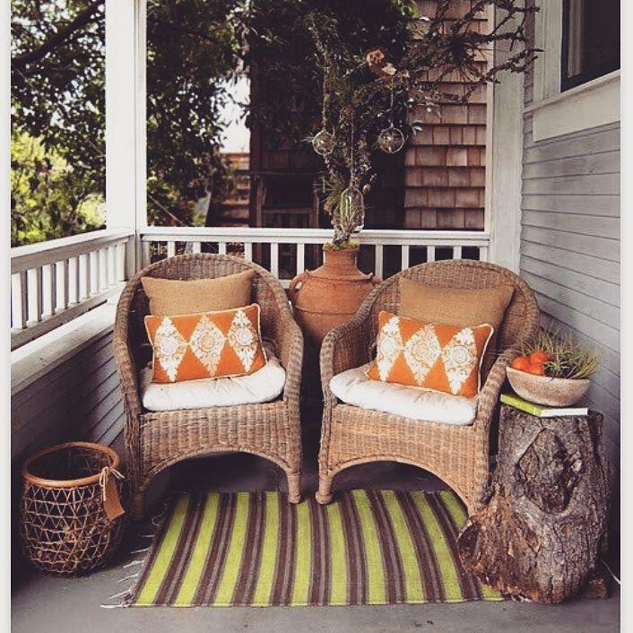 Selain tanaman kursi juga sering menjadi penghias teras rumah yang sering digunakan. (image via karmastream.com) #dekorasiterasIR ya.  #inspirasi #rumah #dekorasi #kreatif #unik #kreasi #homedecor #homedesign #upgradehome #inspired #frontdoordecoration by inspirasi_rumahku_ http://discoverdmci.com
