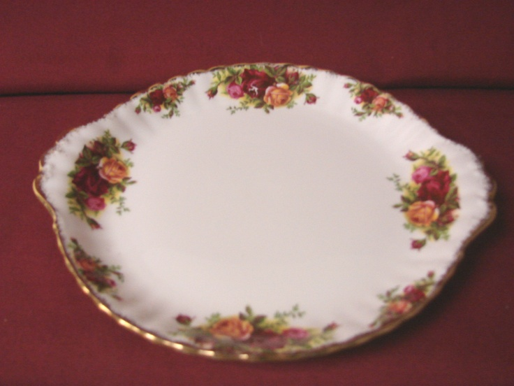 Royal Albert China Dinnerware England Old Country Roses Handled cake plate & 179 best Fine China and Dinnerware images on Pinterest | Country ...