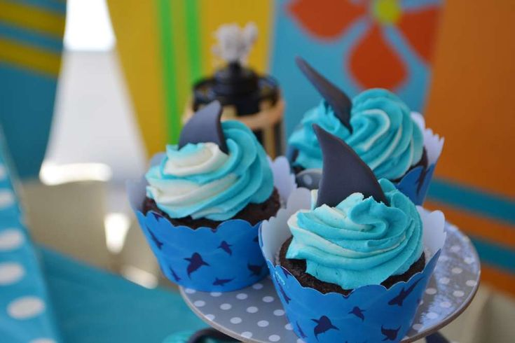 Surfin' Shark Party - Shark Fin Cupcakes ~ For more pics of this party visit http://catchmyparty.com/photos/2070066