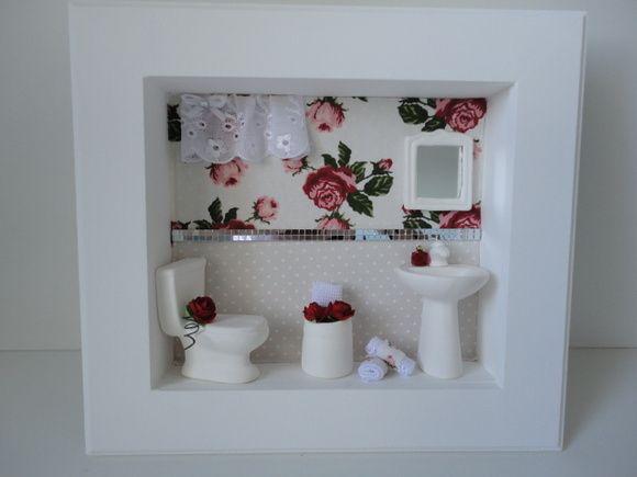 Quadro para lavabo, com fundo em tecido,flores secas R$ 120,00