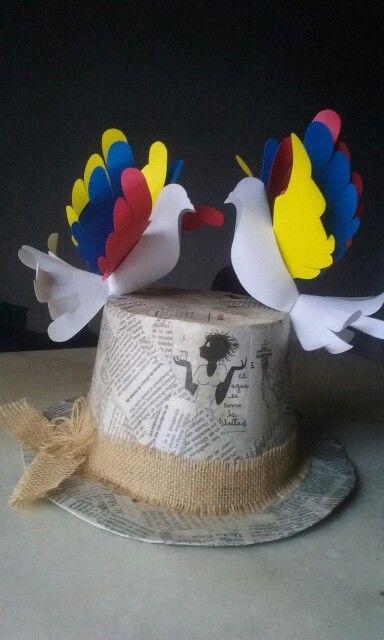 Sombrero reciclado papel cartón papel periodico