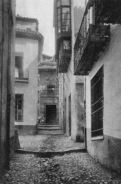 Cuesta y Palacio de Santa Inés.