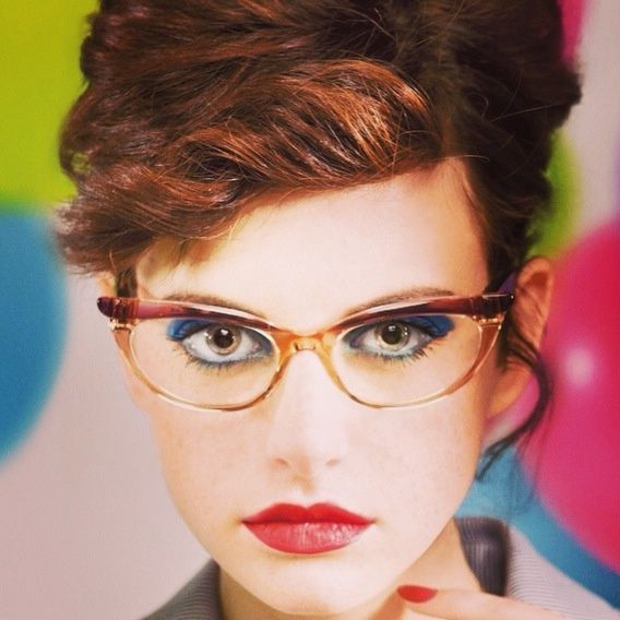 Short+hairstyles+for+women+with+glasses!