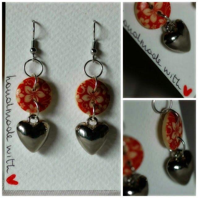 Orecchini con bottone e charm.  Earrings with button and heart.♡ #handmade by Nel Paese dei Bottoni.