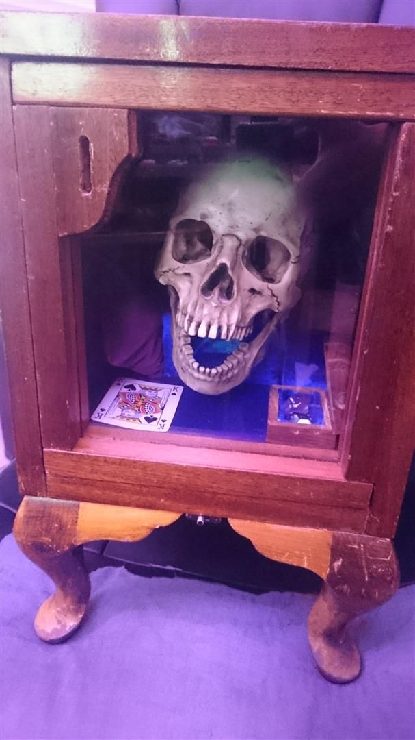 The Skull of the Bard: arduino powered piggy bank - Album on Imgur