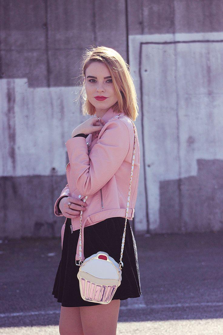 ♥ Jacket: Zara ♥ Blouse: Primark ♥ Skirt: Can't remember ♥ Shoes: Lefties ♥ Purse: c/o Dresslink