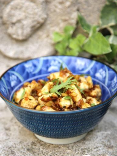 piment, gingembre, blanc de poulet, échalote, oignon, huile d'olive, curry, miel