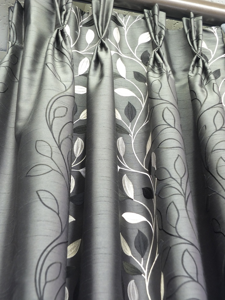 Pinch pleat heading style for curtains.