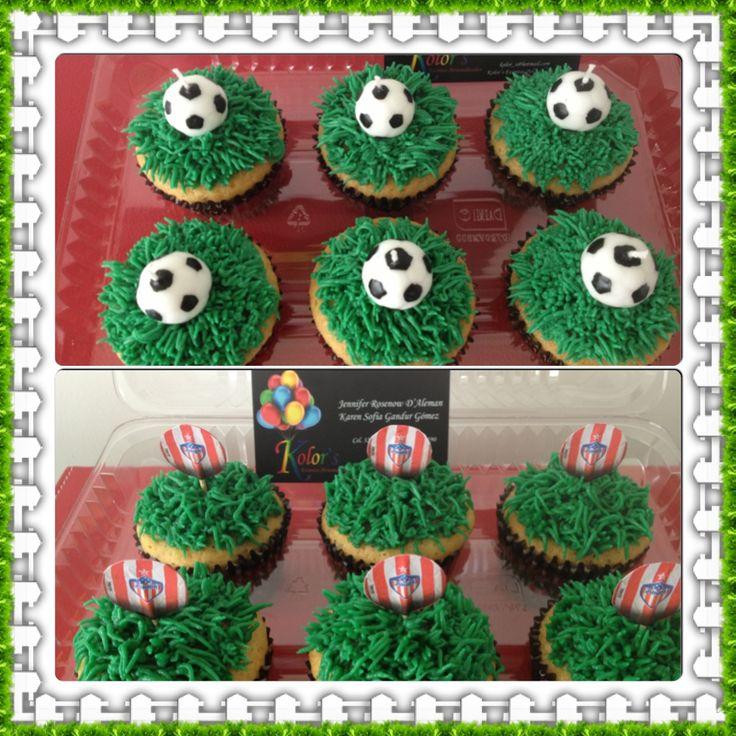 Cupcakes de Vainilla Chips con battercreem, para un fanático de Junior
