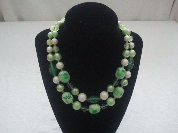 Vintage 1940's 2 strand hook clasp necklace